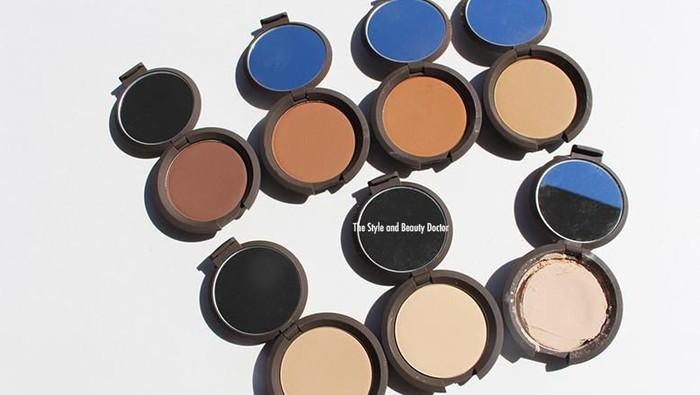 Makeup Terlihat Glowy Natural dengan 5 in 1 Becca Multi-Tasking Perfecting Powder