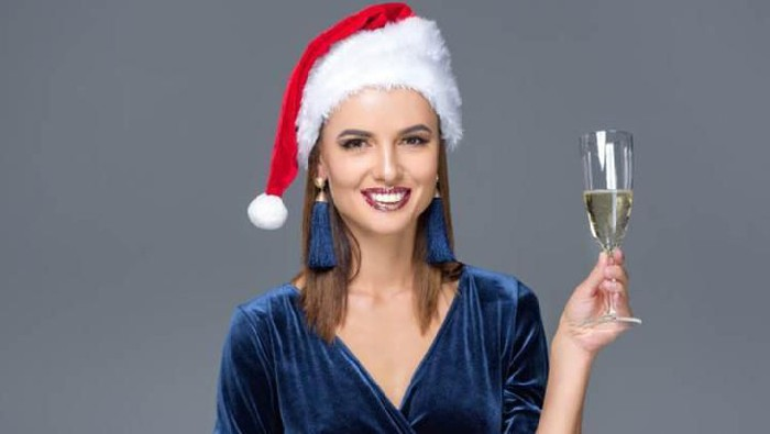 Cantik di Hari Natal, Jangan Lewatkan 5 Aksesoris yang Bakal Bikin Kamu Keren!