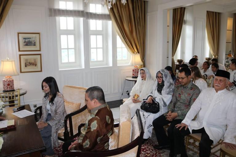 Selain itu, di kediaman Tutut Soeharto telah dilakukan pemasangan Bleketepe dan pengajian.