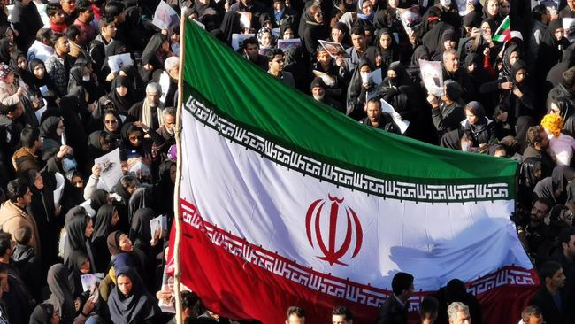 Iran peringati satu tahun kematian Komandan Pasukan Quds Jenderal Qasem Soleimani yang dibunuh AS. Serukan lagi rencana balas dendam.