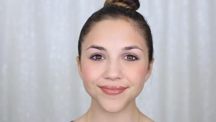 Tutorial Makeup Pesta Super Mudah untuk Remaja