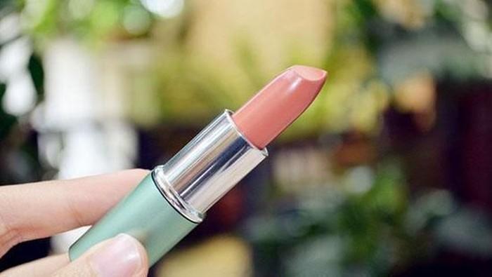 Buat Kamu Si Pemilik Kulit Sawo Matang! Ini Warna Lipstik Wardah yang Cocok Untukmu