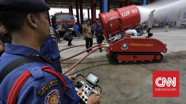 Pemerintah Provinsi DKI Jakarta kini memiliki sebuah robot pemadam kebakaran dengan nilai Rp37,4 miliar.
