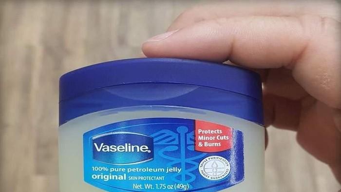 Wih Petroleum Jelly Bisa Buat Menghapus Makeup Juga? Really?