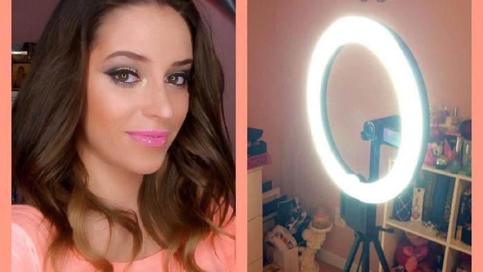 Ladies, berapa sih harga ring light yang biasa dipakai para beauty vlogger? Belinya dimana?
