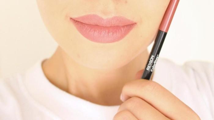 Full Sensuality dengan Lip Liner di Bawah 200 Ribu