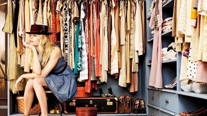 Jangan Sampai Salah Kostum, Pastikan 3 Fashion Item Ini Ada di Lemari Kamu ya Ladies!
