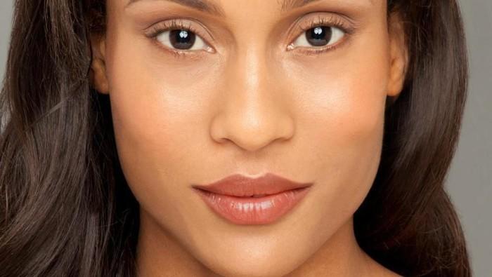 Ini Dia Lipstick yang Sesuai untuk Warna Kulitmu