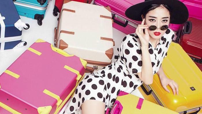 Tetap Stylish Tanpa Ribet Saat Liburan? Ini Dia 4 Fashion Item yang Wajib Kamu Bawa