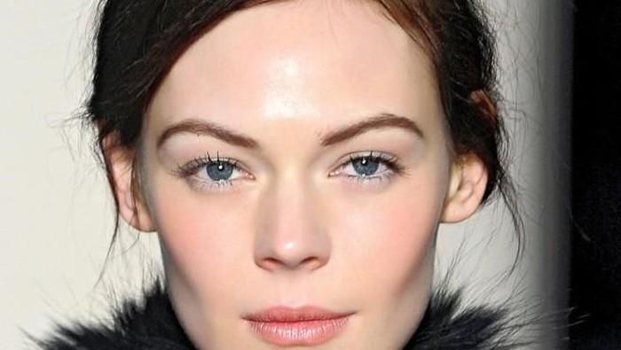 Bagaimana sih caranya agar wajah terlihat glowing?