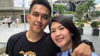 Di tahun ke-8 pernikahan, istri Naga sedang mengandung anak pertama mereka di tahun ini. Beruntungnya lagi, Feby mengandung anak kembar lho, Bun. (Foto: Instagram @febyriz)