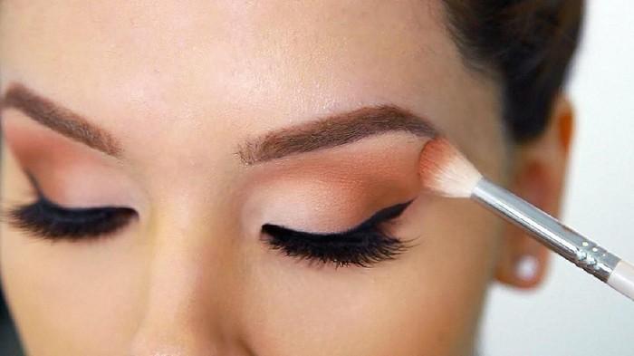 Ketahui Kombinasi Warna Eyeshadow Paling Bagus untuk Segala Jenis Makeup