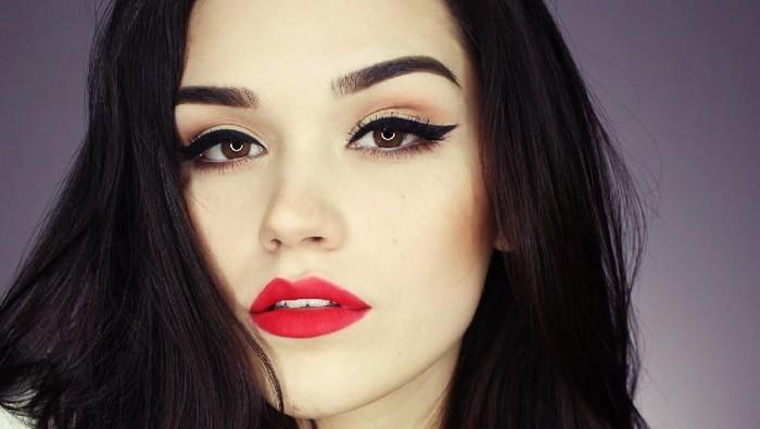 Jelang Natal, Ini Dia 5 Rekomendasi Lipstik Merah Lokal yang Wajib Banget Kamu Coba!
