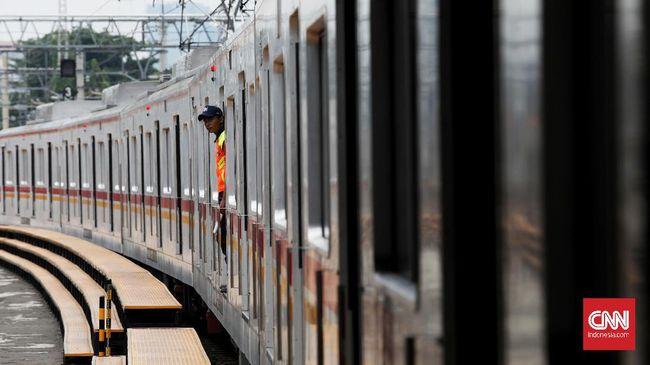 PT Kereta Commuter Indonesia mengumumkan perubahan jalur Kereta Commuter Line pada Selasa (25/2) akibat genangan air usai hujan lebat semalaman.