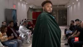 VIDEO: Parade Pria Bertubuh Besar Serukan Cinta Diri di NYFW