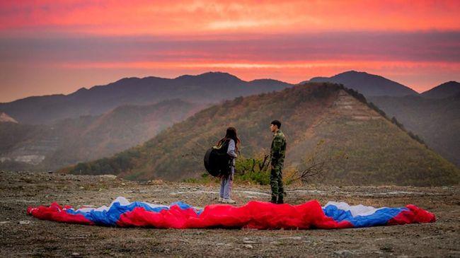 Pengambilan gambar serial Crash Landing On You dilakukan di sejumlah destinasi wisata berpemandangan indah.