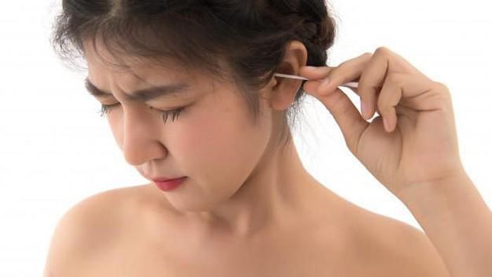 Telinga Kiri Sering Berdenging? Awas, Bisa Jadi Pertanda Sesuatu Lho!