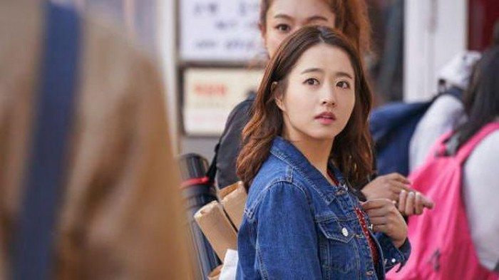 Style Fashion Park Bo Young di Film Korea Terbaru On Your Wedding Day Ini Menggemaskan Abis