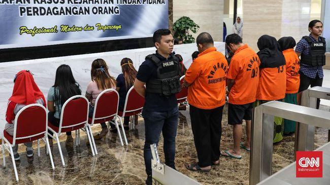 Lima orang tersangka diamankan dalam kasus TPPO di daerah Bogor dengan menggunakan modus sekali kencan hingga kawin kontrak.
