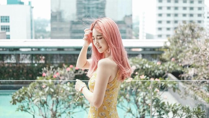 Super Kece! 5 Inspirasi Warna Rambut Han Yoora Ini Bisa Bikin Kamu Bak 'Onnie Korea'