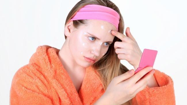 FORUM pake obat jerawat setelah atau sebelum pakai makeup?