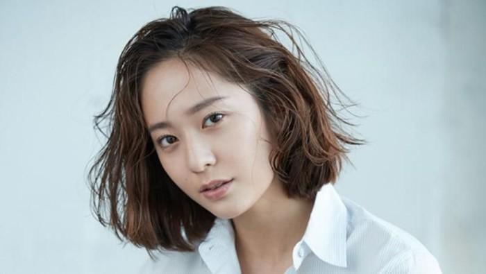 Rambut Pendek Ala Artis Korea Ini Membuat Kamu Tampil Lebih Muda dan Imut