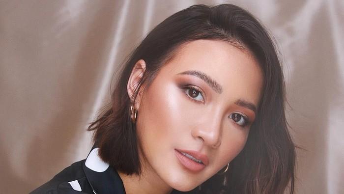 Cara Memakai Eyeshadow Buat Pemula, Gampang Banget Kok Ladies!