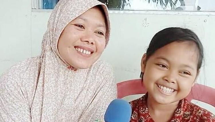 Setelah uangnya habis dikuras almarhum ayahnya, Misca Mancung kini hidup bersama ibunya dengan mobil yang masih berstatus gadai, Bun.