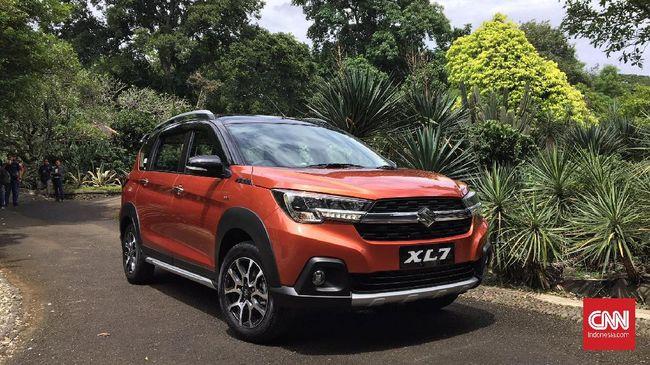 Proses produksi Suzuki XL7 telah dilakukan sejak Desember 2019 dan distribusi ke dealer-dealer di seluruh Indonesia dimulai awal 2020.