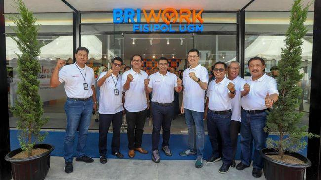 Bank BRI membuka kantor kas BRIWork yang merupakan perpaduan layanan perbankan dan coworking space yang dapat menampung beragam aktivitas anak muda.