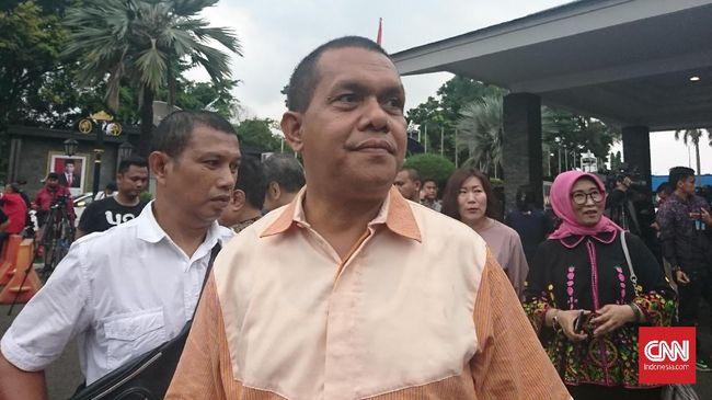 Wakil Ketua Komisi IX DPR, Melki Laka Lena tak menghiraukan soal vaksin Nusantara yang belum dikeluarkan izinnya oleh BPOM.