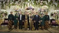 <p>Resepsi Danny dan Raiyah dihadiri sejumlah saudara dan kerabat, seperti Menteri Pertahanan Prabowo serta sang putra, Didit Hediprasetyo. (Foto: Istimewa)</p>