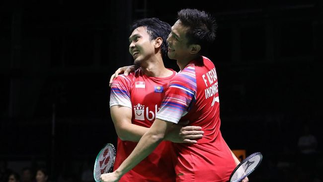 Sepuluh wakil Indonesia berhasil melangkah ke babak 16 besar usai berlangsungnya babak pertama Toyota Thailand Open 2021 pada 19-20 Januari.