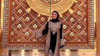 <p>Artis Bella Saphira baru saja menjalankan ibadah umrah di Tanah Suci. Bella juga mengunjungi tempat-tempat bersejarah dalam Islam. (Foto: Instagram @bellasaphiraofficial)</p>