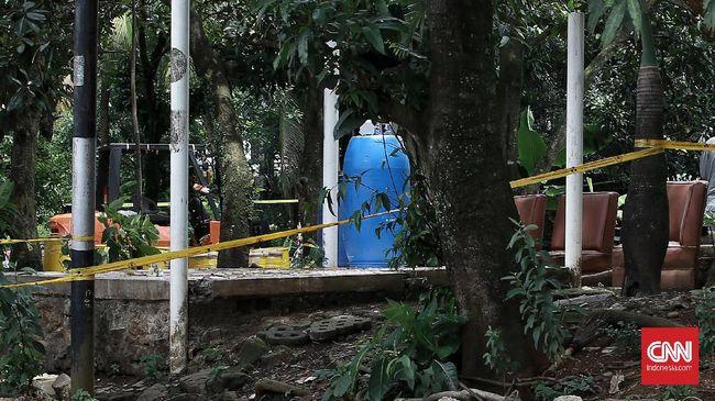 Batan memeriksa sembilan warga Perumahan Batan Indah di dalam laboratorium menyusul penemuan paparan zat radioaktif yang masuk permukiman penduduk.
