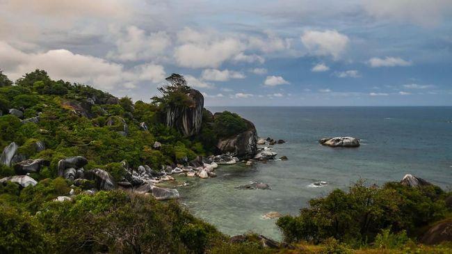 Menlu Retno mendorong investor AS untuk berinvestasi lebih banyak di Indonesia, termasuk untuk proyek di pulau-pulau terluar, seperti Pulau Natuna.