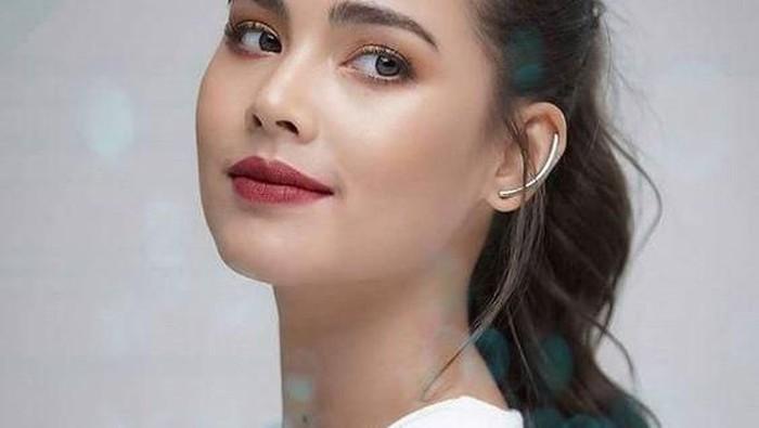 Inspirasi Makeup ala Aktris Thailand Urassaya Sperbund