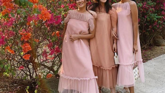 6 Inspirasi Model Ruffle Dress untuk Pergi ke Pesta, So Fashionable!