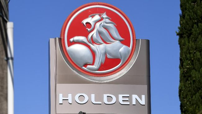 Logo merek Australia, Holden.  A sign for a Holden dealership is pictured in Melbourne on February 17, 2020. - General Motors announced on February 17 it would scrap struggling Australian car brand Holden, with engineering, design and sales operations to be wound down in the coming months. (Photo by William WEST / AFP)