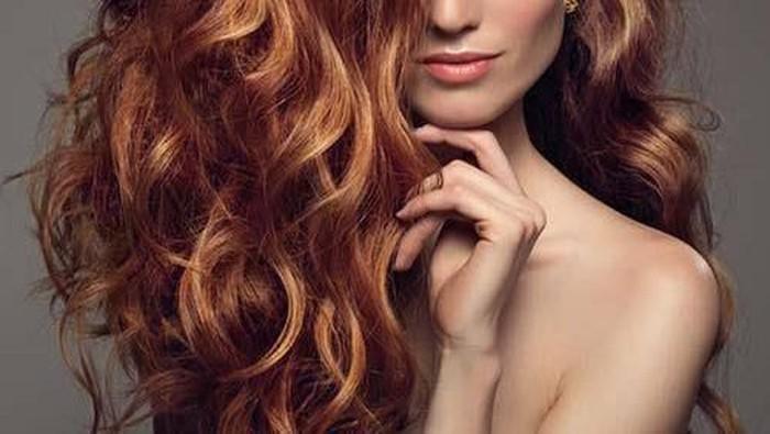 No More Bad Hair Day, Ini Cara Tata Rambut Keriting Agar Tidak Mengembang