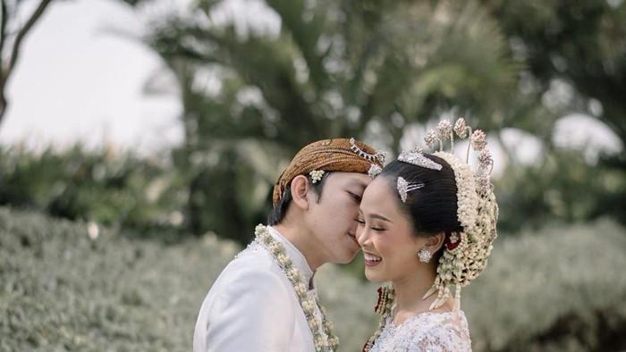 10 Momen Bahagia Pernikahan Beauty Vlogger Almiranti Fira