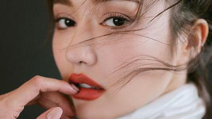 Gak Pede dengan Bibir Tebal? Bikin Ilusi Bibir Tipis dengan Trik Ini!