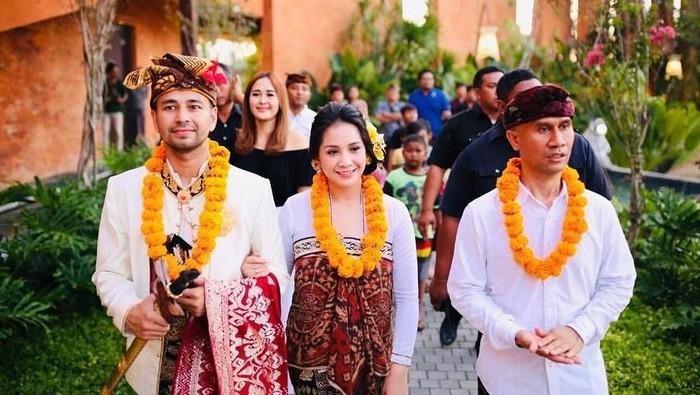 Cantiknya Nagita Slavina dalam Balutan Pakaian Adat Bali