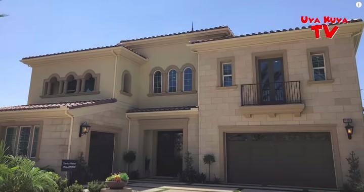 <p>Uya Kuya berencana membeli rumah di Amerika Serikat. Ia mengincar sebuah rumah di Los Angeles. Kabarnya rumah ini bernilai Rp70 miliar. (Foto: YouTube)</p>