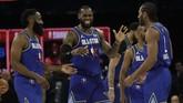 Tim LeBron menang tipis atas Tim Giannis dalam NBA All Star 2020 di United Center, Chicago, Senin (17/2) pagi WIB.