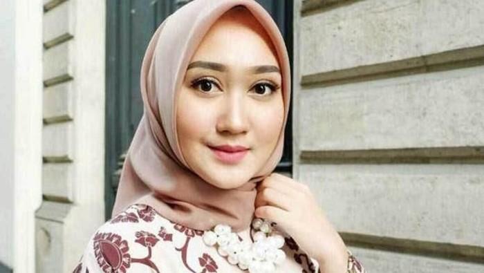 Pipi Tembem Tetap Pede dengan 5 Tips Berhijab ala Beautynesia