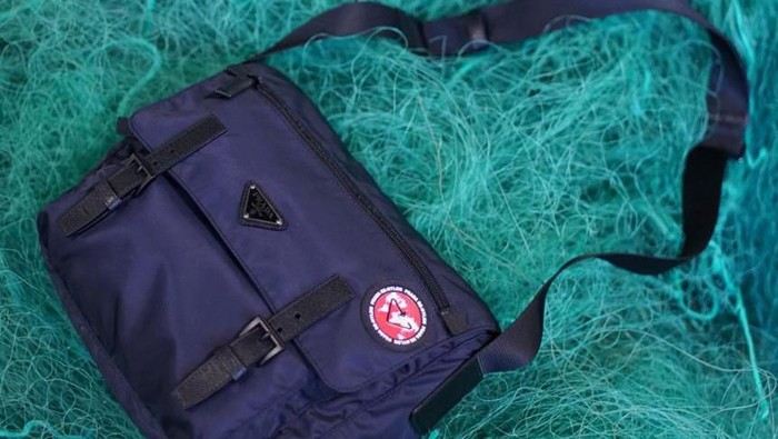 Prada Re-Nylon: Ubah Limbah Jaring Ikan Jadi Tas Ikonik Ramah Lingkungan