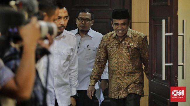 Menteri Agama Fachrul Razi tak memiliki gejala yang mengkhawatirkan setelah dinyatakan positif Covid-19. Kini Fachrul menjalani isolasi.