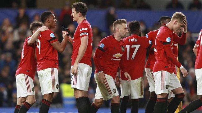 Manchester United (MU) berhasil meraih kemenangan atas Chelsea lewat drama dua gol The Blues yang dibatalkan VAR.