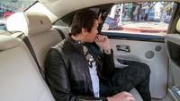 <p>Sesekali Syahrini mengunggah candid sang suami saat di mobil. (Foto: Instagram @princesssyahrini)</p>